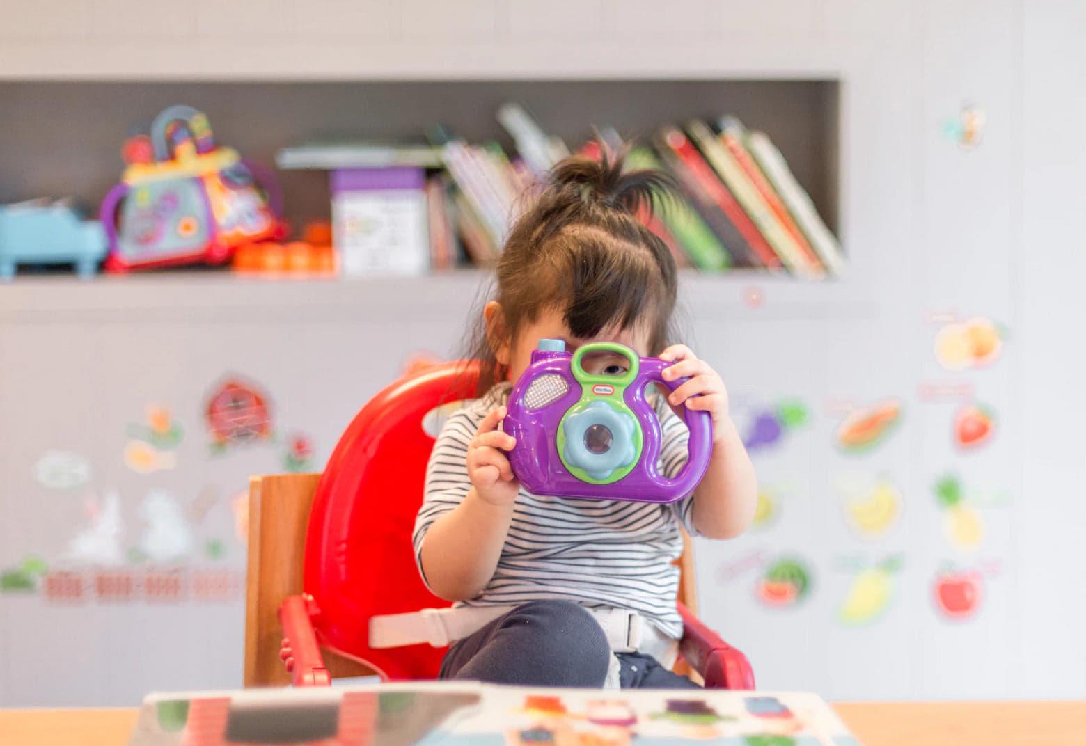 Dinsdag 15 september komt de schoolfotograaf. Stuur je kleine spruit met een glimlach naar school 😊